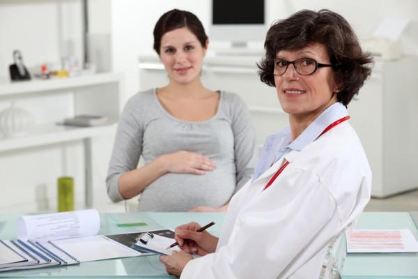 Врач и беременная